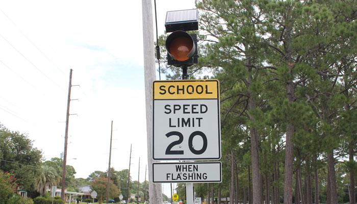 gtc-school-zone-flashing-light-sign