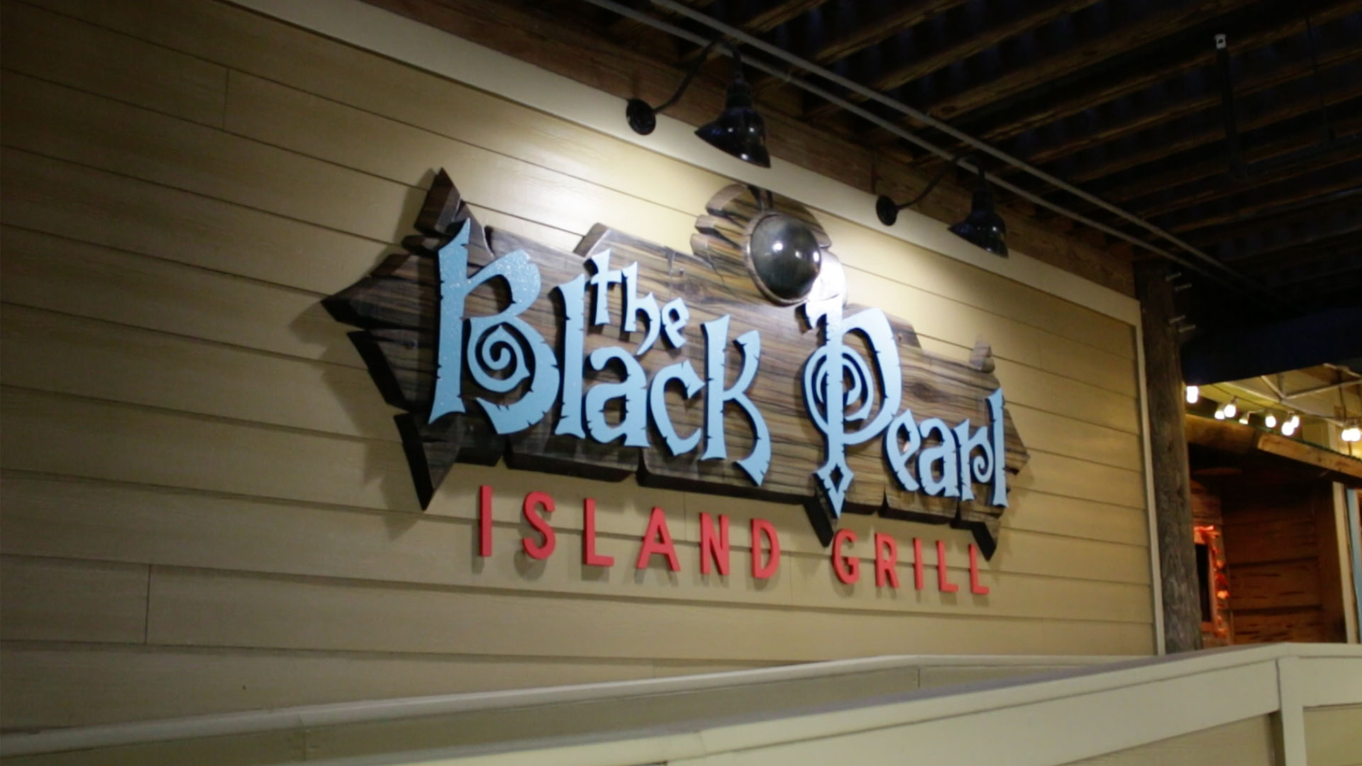 The Black Pearl on Okaloosa Island Closes